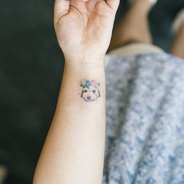 180 Delicate Feminine Tattoos - Lovely Photos