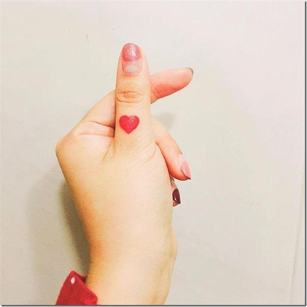 Finger Tattoos - Stunning and Inventive Fashions