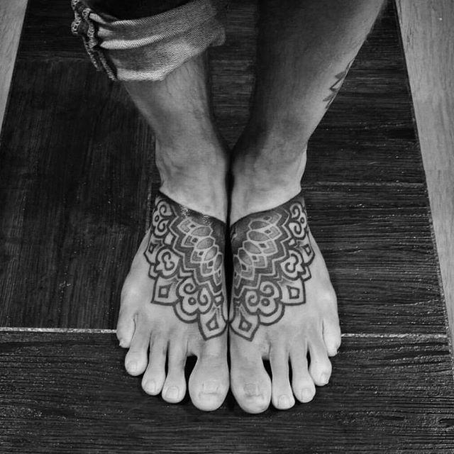 100 Tattoos on the Foot - Stunning and Inspiring Photographs