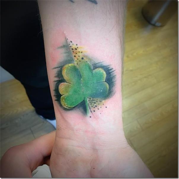 Artistic and galvanizing clover tattoos