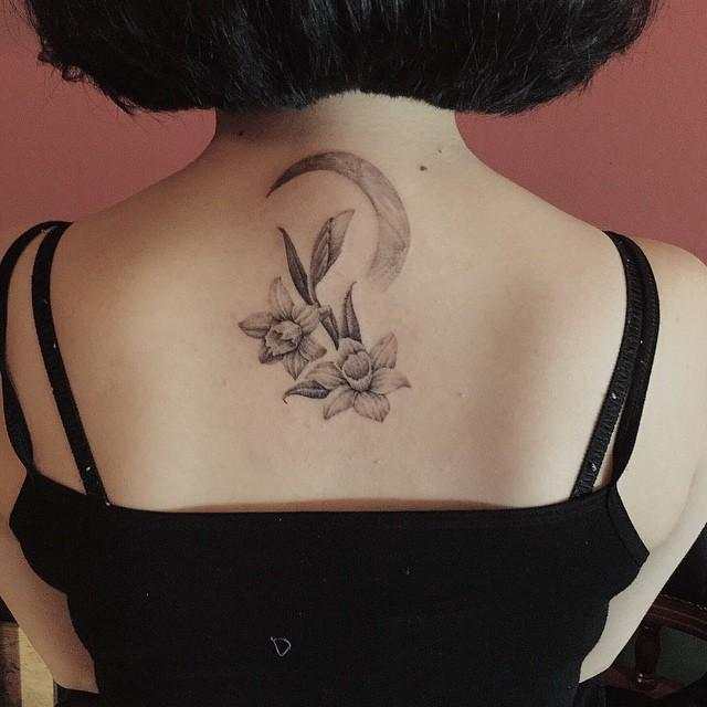 110 Feminine Tattoos on the Again (greatest pictures!)