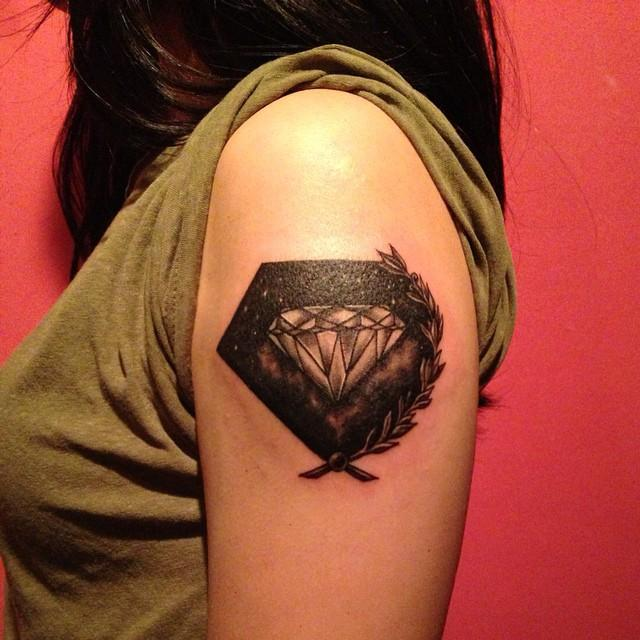 65 Stunning and Inspiring Diamond Tattoos