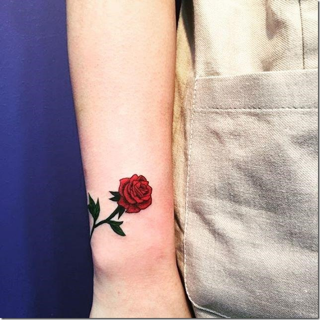 Tattoos for delicate ladies - spectacular photographs