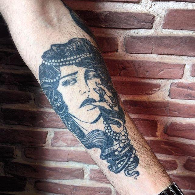70 Tattoo Pin-ups