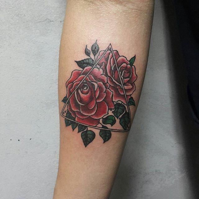 70 Lovely and provoking rose tattoos: the most effective pictures