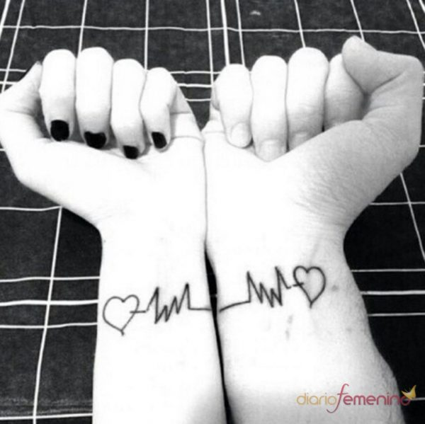 101 Love Tattoos For Small And Original Couples Nexttattoos