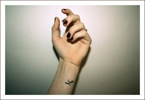 115 Small tattoos with letters and symbols for girls