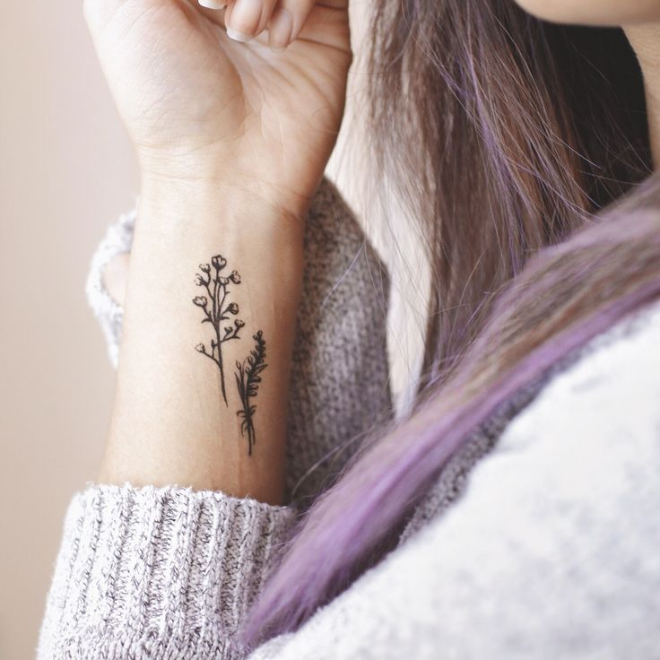 20+ minimalist flower tattoo that you'll love