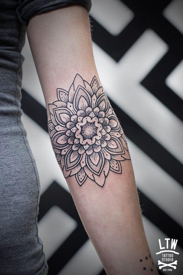 110 Mandalas Tattoos for girls