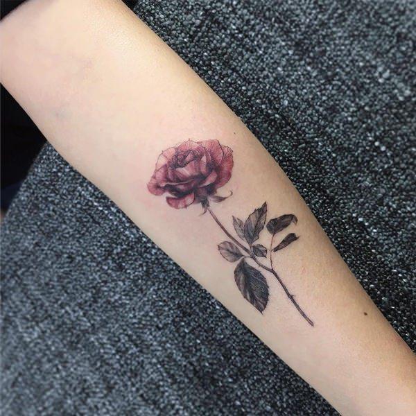 99 Roses tattoos designs for ladies