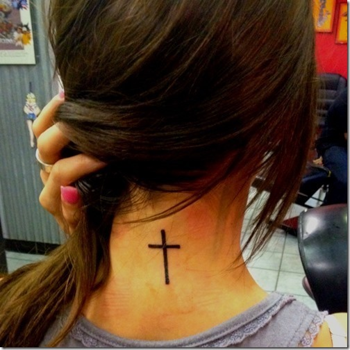 Lovable Cross Tattoo Concepts for Women