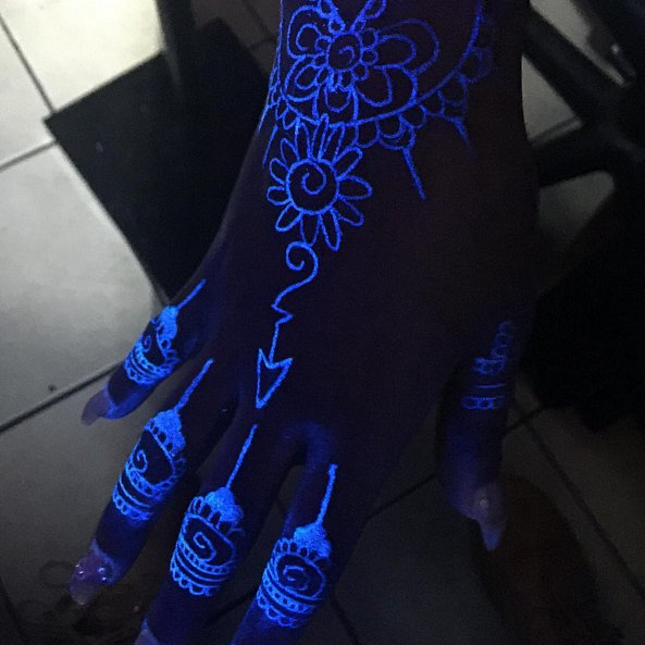 10 tattoo concepts that glow at midnight